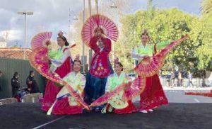 Fan Dance (Hanna Lee, Lesley Kim, Joyce Kim, Julia Kim & Terra Lee) Grove in L.A. 1